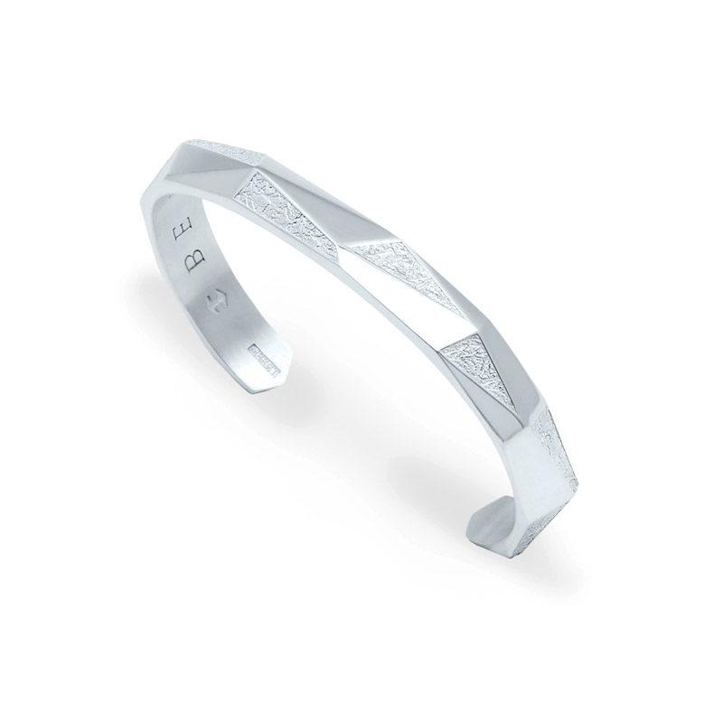 Angled View of Antarktis 18k white gold bangle bracelet